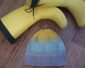Bright cotton hat