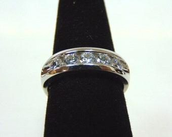 Womens Sterling Silver .925 Ring w/ Diamond Cut CZ Stones 6.0g #E2658