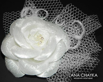 White Camellia Bridal Hair Clip Wedding Flower Hair Fascinator Floral Headpiece Wedding Hair Clip White Floral Bridal Hair Accessories