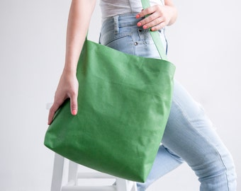 Green Leather Tote, Leather Crossbody Tote, Suede leather, Soft Leather Bag With Magnetic Closure, Lightweight Leather, Carry Bag, Tote Bag