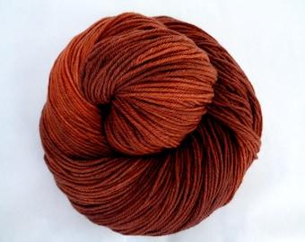 Ultra soft hand dyed merino yarn, superwash, hand dyed merino yarn, fingering weight, VINTAGE-COPPER, 3.5oz/400yds, 100g/400m, 100% wool