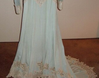 Original Victorian Aqua Silk Heavy Beige Lace Trim Wedding/ Ball Gown Size 6 Item: 154 Victorians