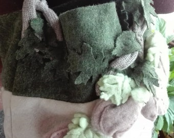 Felt bag and knit floral green and beige.