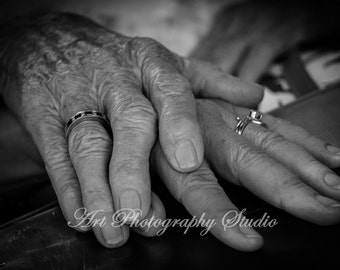Hands  Mothers Hand Black and White Old Hands