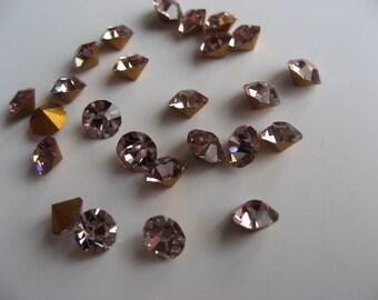 Rhinestone, round diamond cut, light amethyst, SS 21 (x 48)