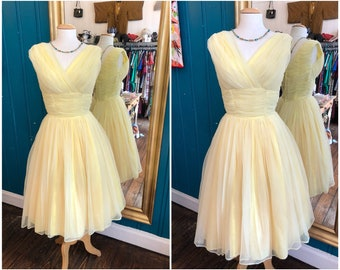 """W25"""" XS 1950s Yellow Tulle Prom Dress"""