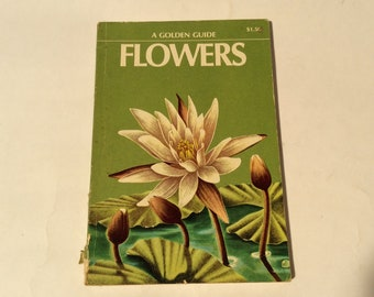 Vintage 1970s Edition of 1950s Golden Guide to Flowers VG Pocket Guide