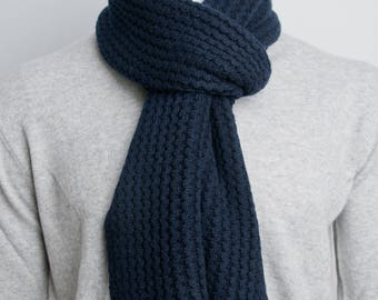 Crochet Paris Scarf (Deep Blue)