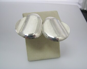 c580 Lovely Large Wave Button Earrings in Sterling Silver