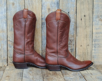 Us 9 Cuban Heel Boot, 40 Cuban Heel Boot, 9 pointed toe boot, 40 pointed toe boot, brown western boot, brown cowboy boot, 9 Tony Lama Boot,