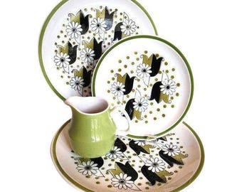 Mid Century Mikasa Cera Stone Somerset Plates Creamer Avocado Black White