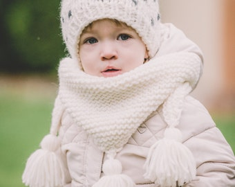 Winter Shawl -  knitting pattern, neck warmer, Cowl, chunky, stylish warmth, Triangle Scarf Tassels