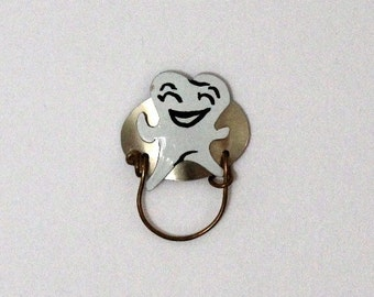 Happy Tooth Magnetic Eyeglass Holder