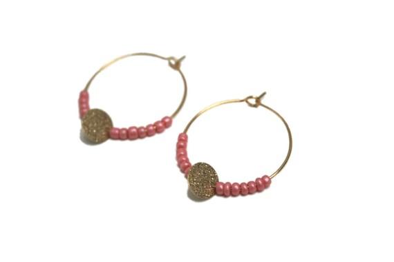 Minimalist rings beads roses Pearl sorbet, Golden brass pendant