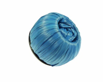 Buttons, blue rafia