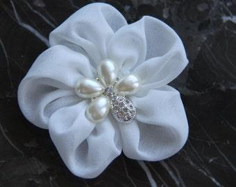 Hair Flower Clip, Bridal Flower Hair Clips, Small Hair Flowers, Fabric Flower Brooch, White Flower Wedding Hair Clips, Hair Flower Wedding