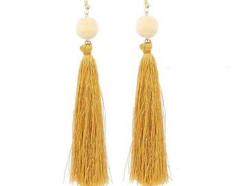 Pompom color earrings gold