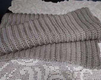 Chuncky warm blanket.