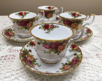 Royal Albert Old Country Roses Cup ans Saucer x4 Sets