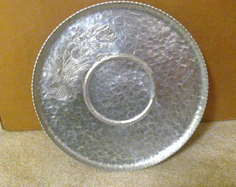 Aluminum Trays, Etched Aluminum Serving Trays, Hammered Aluminum Round Tray, Crimped Edges, Vintage, Nature Platter, Rose Dish, Rodney Kent