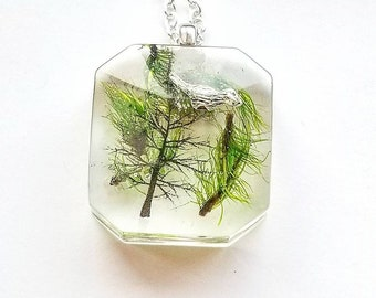 Moss necklace, resin necklace, terrarium necklace, wildwood nature,  bird necklace, tree necklace, nature jewelry,boho jewelry, gift for her