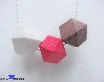 Graphic necklace 3 faceted beads