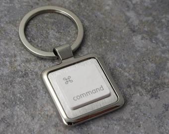 Apple command Key-Ring in white, key chain, keys, recycled, birthday, anniversary, wedding, gift