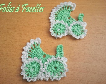 Two carriages in green and white crochet cotton