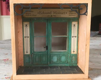 1:24 scale miniature 'A little corner in Paris' roombox kit for collectors