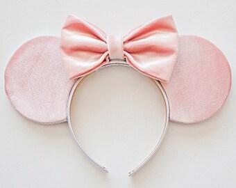 Pink Disney Ears / Minnie Mouse Ears / Disney Mouse Ears / Minnie Ears / Mickey Ears / Mickey Mouse Ears / Minnie Ears Headband / Velvet Ear