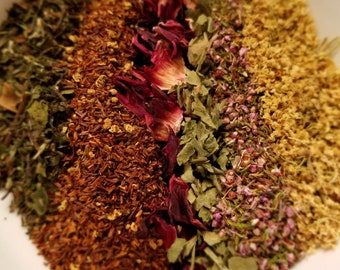 Cinthia's Cottage - Floral herbal tea blend, Elder Flower, Heather, Hibiscus, Ladys Mantle, Vanilla, Rooibos