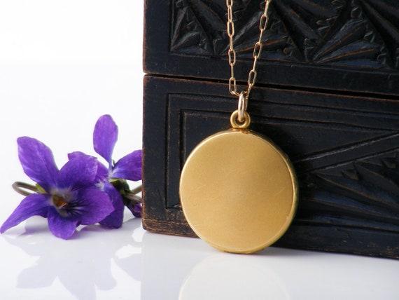 Matte Gold Victorian Locket   Antique Locket   Wightman & Hough, Plain Round Gold Filled, Photo Locket - 20 Inch Chain