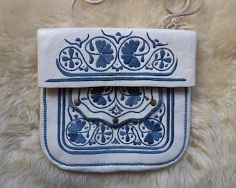 Vintage 70s Embroidered Leather Bag from Morocco ~ White Shoulder Bag ~ Boho Hippie Festival Style