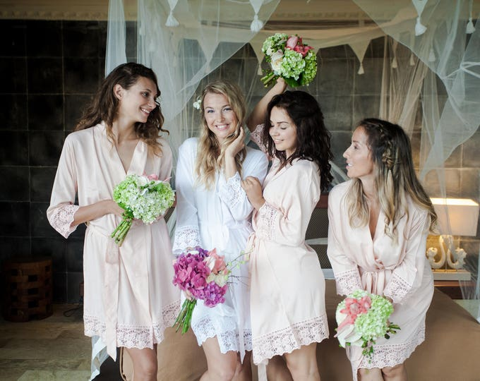 Bridesmaid Robes // Robe // Bridal Robe // Bride Robe // Bridal Party Robes // Bridesmaid Gifts // Satin Robe // Lace Bridal Robe