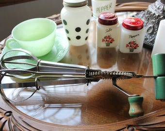 1930s Vintage Green Handled RICER and Green Handled BEATER In Great Condition
