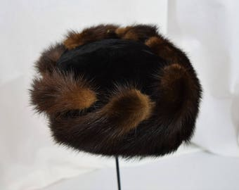 Vintage 1960s  black velvet and dark sable color mink pillbox hat by Noreen Fashions