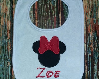 Personalized bib with Mouse applique, personalized baby bib, baby girl bib