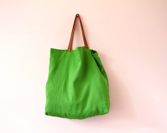 Green tote bag in washed linen, Casual shopper bag, Waste free bag, Linen market tote with leather handle, Green handbag, Beach bag