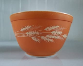 Vintage Pyrex Autumn Harvest #401 Nesting Bowl