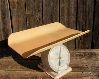 Vintage American Family Nursery Scale,  30 Lb. Baby Scale