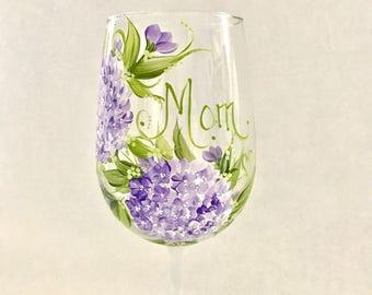 Lavender hydrangea personalized wine glass for mom sister aunt friend cousin bridesmaid grandma sister in law niece etc