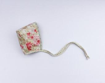 """Reversible Baby Bonnet """"Pastel Garden"""". Baby Girl Bonnet with Lace. Baby hat. Pattern Bonnet. Cotton hat."""