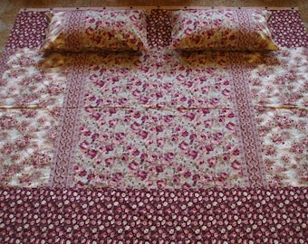 Cottage with Rose Buttons - King Duvet Set