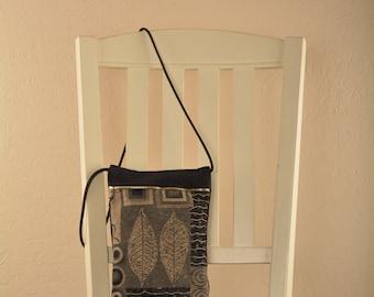 Two Leaf Chula purse