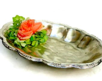 Oval silver tray / Vintage silver plate tray / oval footed silver tray / vanity tray / serving tray / decorative silver tray / footed tray