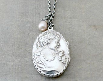 Large Locket, Silver Cameo Locket, Pearl Locket Necklace, Large Oval Locket Vintage, Picture Locket, Victorian Locket Pendant, Gift for Mom