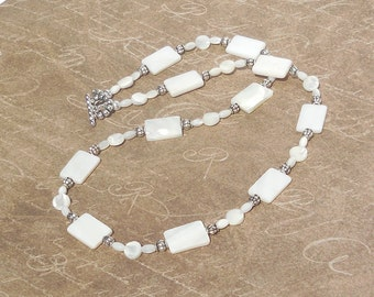 Mother of pearl and white shell necklace
