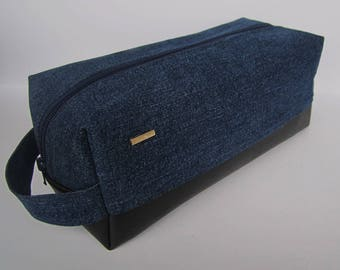 Cosmetic travel pouch /for men/vegan leather/black/waterproof