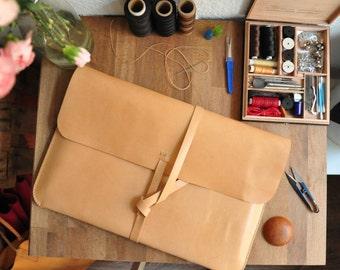 Personnalisé Simple en cuir pour ordinateur portable / ordinateur portable sac / sacoche / Macbook / Macbook Air / Laptop Sleeve naturel cuir tanné