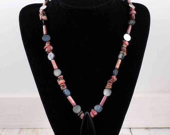 Rhodonite and black Obsidian gemstone necklace,handmade,silver clasp,necklaces,black,pink,gemstones,beaded necklace,pearlized,round,flakes